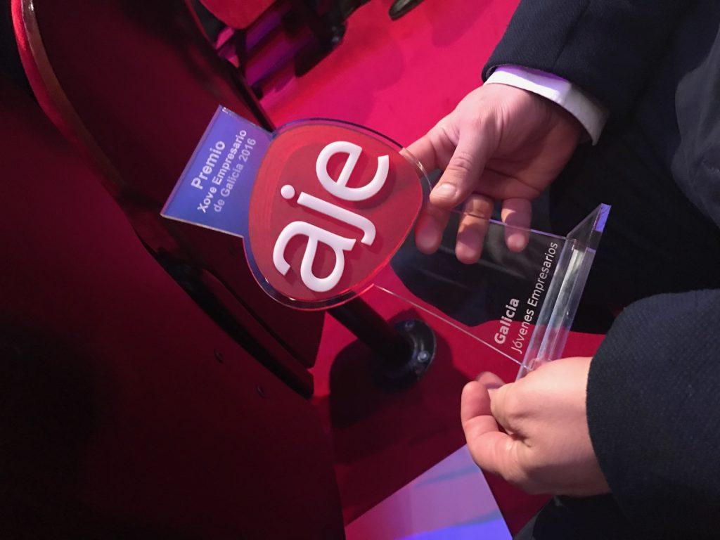 Foto del premio a Mejor Empresario Joven 2016
